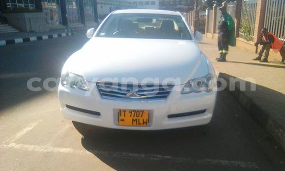 Buy Used Toyota Mark X White Car in Limete in Malawi