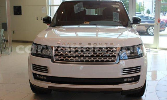 Buy Used Land Rover Range Rover White Car in Lilongwe in Malawi