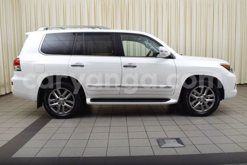 Big with watermark 2015 lexus lx 570 jtjhy7ax4f4179710 4855