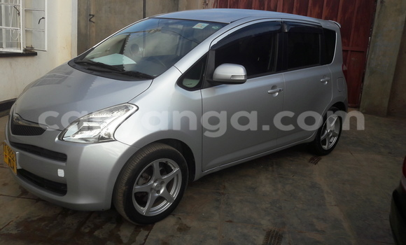 Buy Used Toyota Ractis Black Car in Blantyre in Malawi