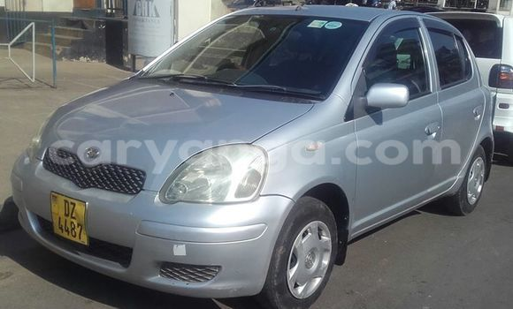 Buy Used Toyota Vitz Silver Car in Limete in Malawi