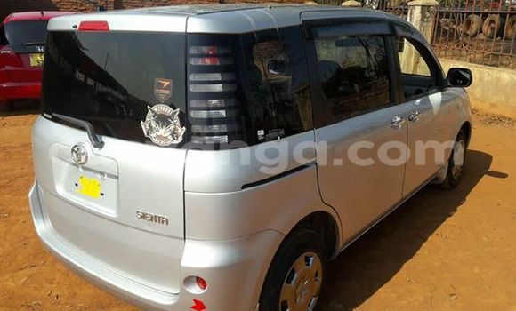Buy Used Toyota Sienna Silver Car in Limete in Malawi