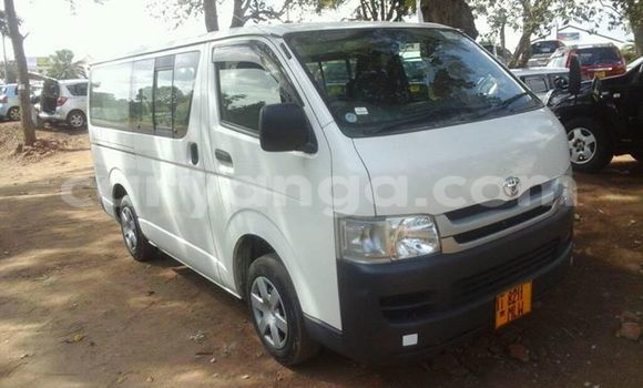 Buy Used Toyota Hiace White Car in Limete in Malawi