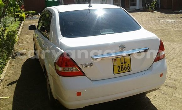 Buy Used Nissan Tilda White Car in Limete in Malawi