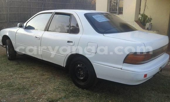 Buy Used Toyota Camry White Car in Limete in Malawi