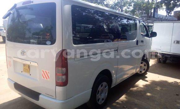 Buy Used Toyota Hiace White Car in Limete in Malawi