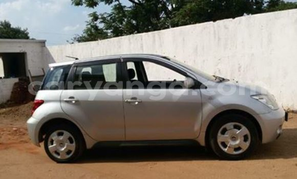 Buy Used Toyota IST Silver Car in Limete in Malawi