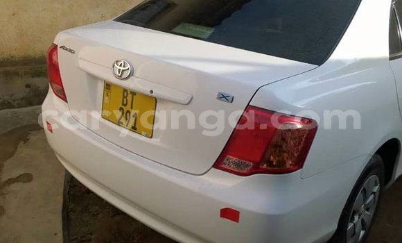Buy Used Toyota Axio White Car in Limete in Malawi