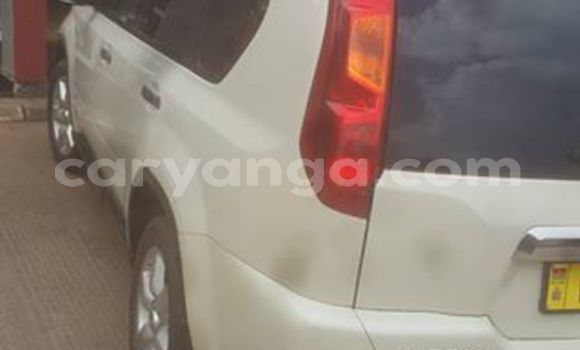 Buy Used Nissan X-Trail White Car in Lilongwe in Malawi