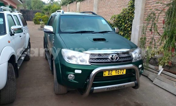 Buy Used Toyota Fortuner Green Car in Lilongwe in Malawi