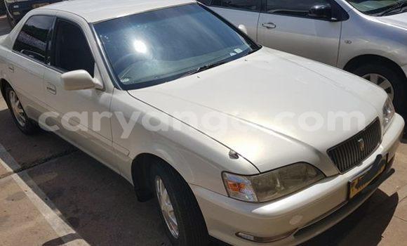 Buy Used Toyota Cresta White Car in Lilongwe in Malawi