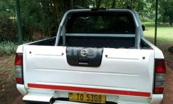 Buy Used Nissan Hardbody White Car in Blantyre in Malawi
