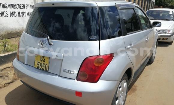 Buy Used Toyota IST Silver Car in Lilongwe in Malawi