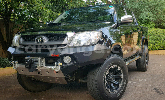Buy Used Toyota Hilux Black Car in Lilongwe in Malawi