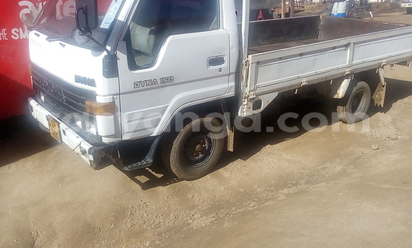 Buy Used Toyota Dyna White Truck in Kasungu in Malawi
