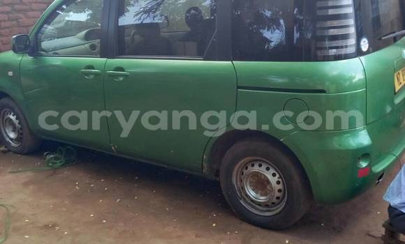 Buy Used Toyota Sienta Green Car in Kasungu in Malawi