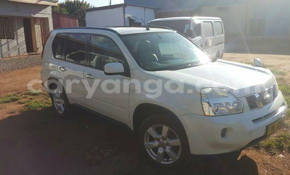 Buy Used Nissan X-Trail White Car in Blantyre in Malawi