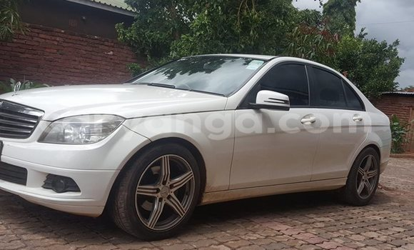 Buy Used Mercedes‒Benz C-Class White Car in Lilongwe in Malawi