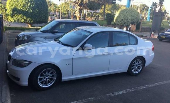 Buy Used BMW 3-Series White Car in Blantyre in Malawi