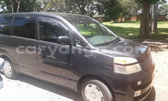 Buy Used Toyota Vitz Black Car in Lilongwe in Malawi