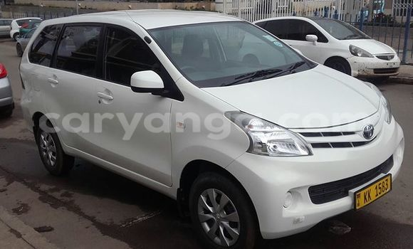 Buy Used Toyota Avanza White Car in Blantyre in Malawi
