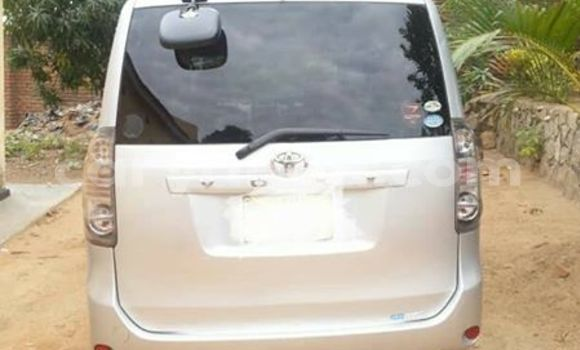 Buy Used Toyota Voxy Silver Car in Blantyre in Malawi