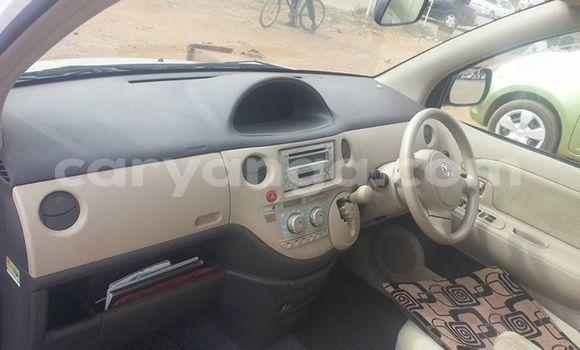Buy Used Toyota Sienta White Car in Kasungu in Malawi