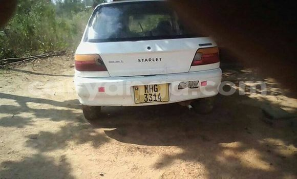 Buy Used Toyota Starlet White Car in Lilongwe in Malawi