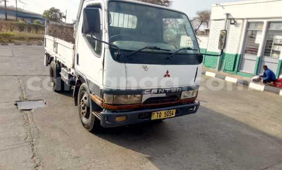 Buy Used Mitsubishi L400 White Truck in Kasungu in Malawi