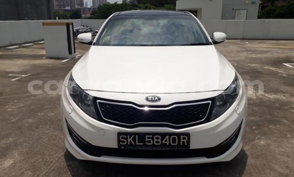 Buy Used Kia Optima White Car in Blantyre in Malawi