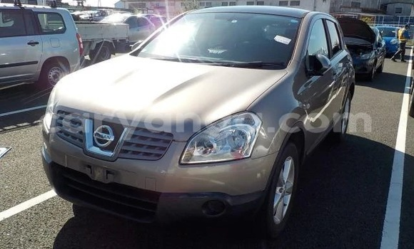 Buy Used Nissan X–Trail Beige Car in Lilongwe in Malawi