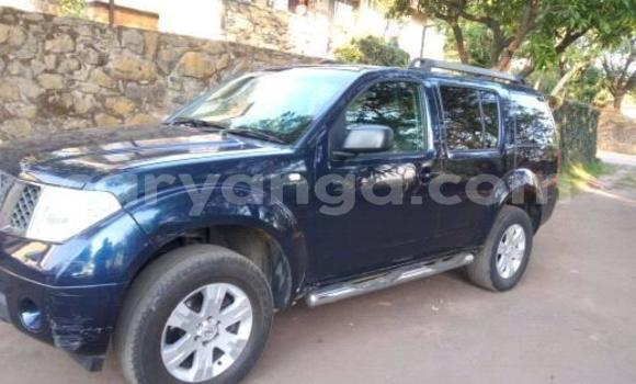 Buy Imported Nissan Pathfinder Blue Car in Lilongwe in Malawi