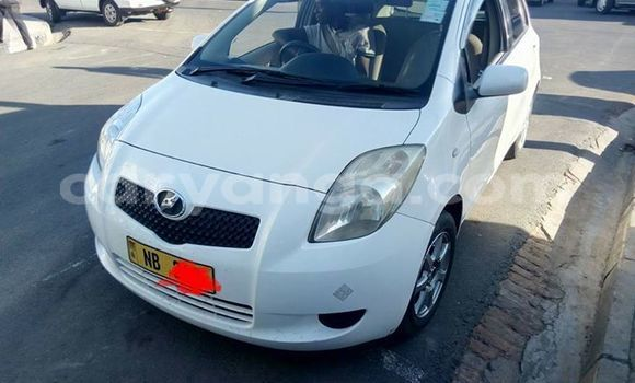 Buy Imported Toyota Vitz White Car in Blantyre in Malawi