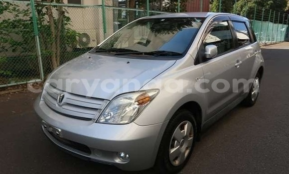 Buy Imported Toyota IST Silver Car in Blantyre in Malawi