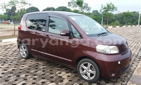 Buy Used Toyota Porte Brown Car in Lilongwe in Malawi
