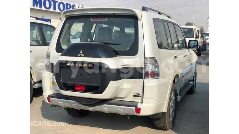 Big with watermark mitsubishi pajero malawi import dubai 9195