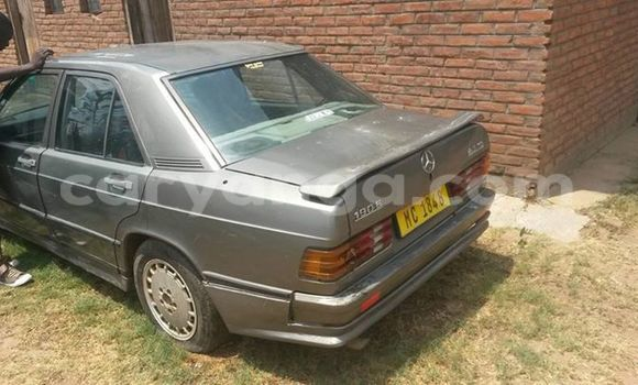 Buy Used Mercedes‒Benz 190 Black Car in Limbe in Malawi