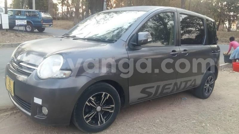 Big with watermark toyota sienta balaka balaka 9327